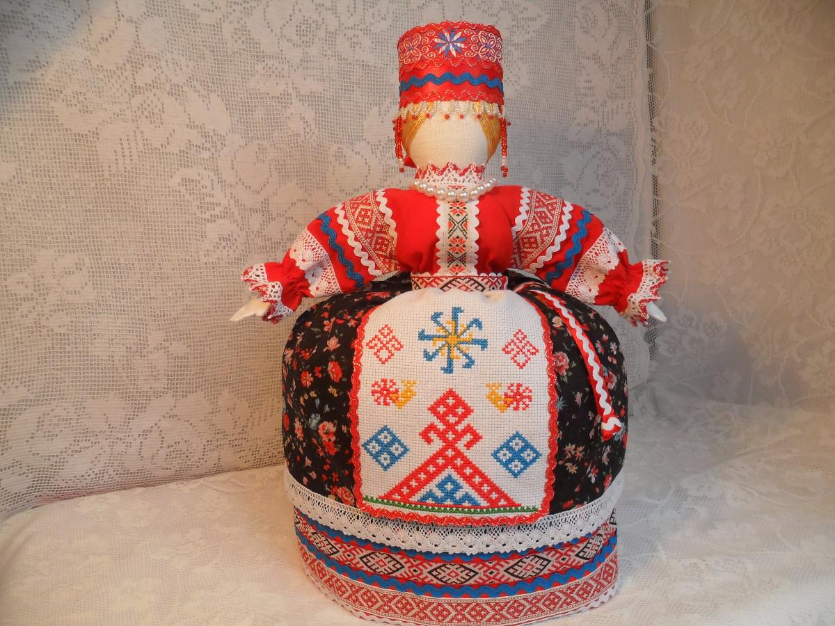 Баба-берегиня на чайник