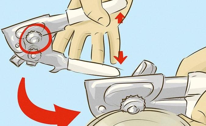 Раздвигаем ручки консервного ножа