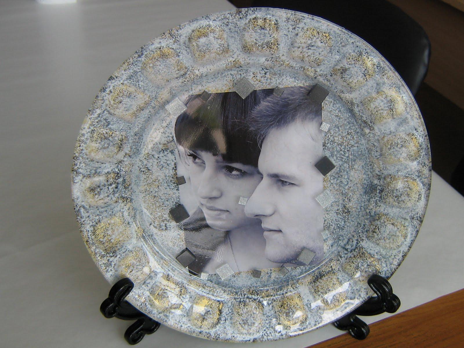 Обратный декупаж из фотографии на тарелке