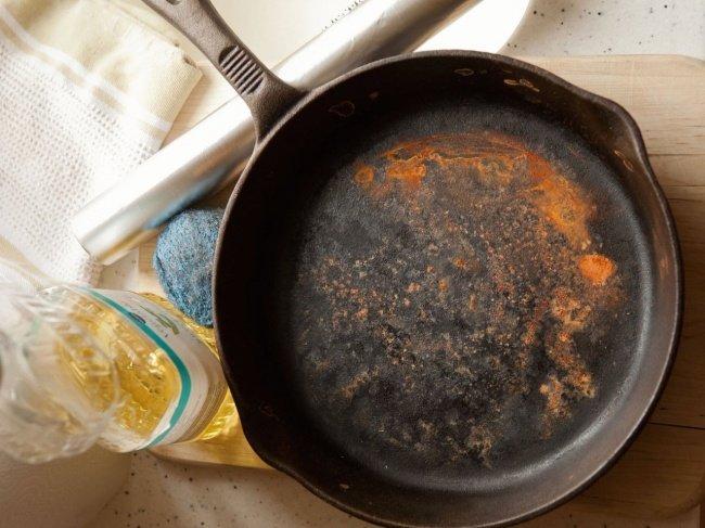 Причины ржавчины на сковороде