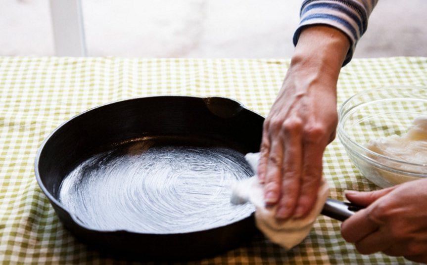 Растительное масло для защитного слоя посуды