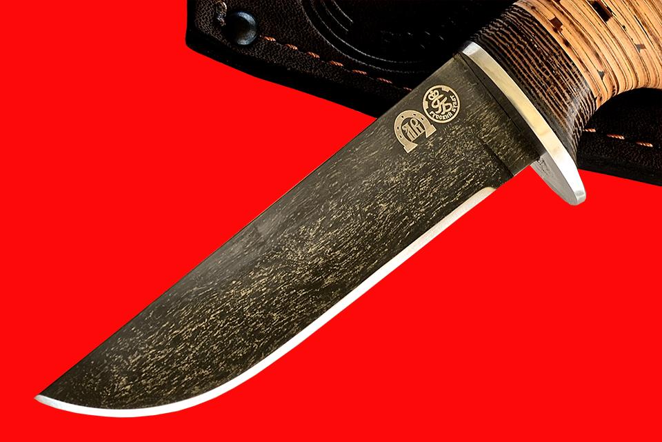Булатный нож фирменного изготовления