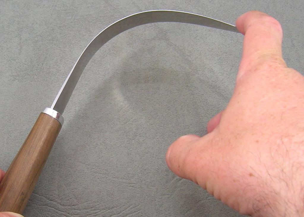Нож должен быть гибким