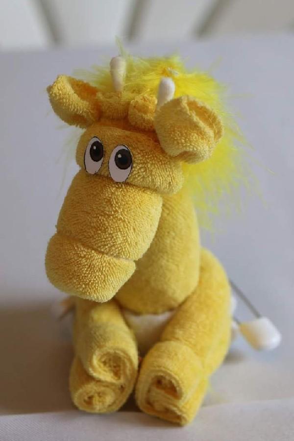 Лошадка из полотенца