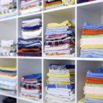 Большой шкаф с полотенцами