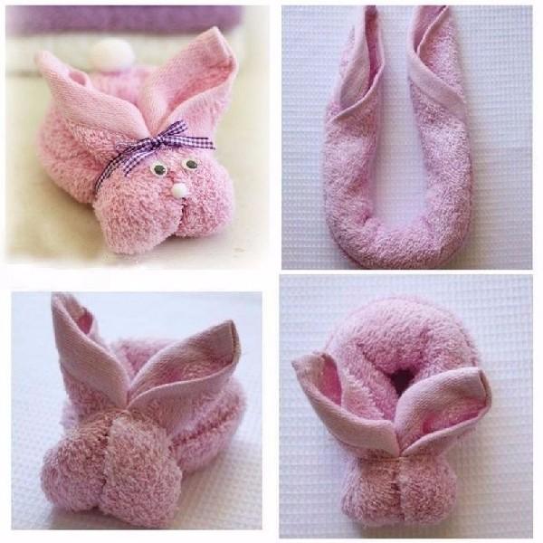 Зайчик из розового полотенца